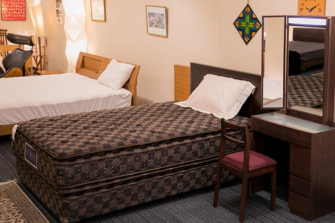 bedroom18