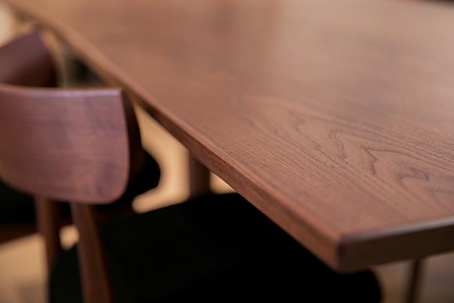 ダイニングテーブル ウォルナット材+オイル仕上げ